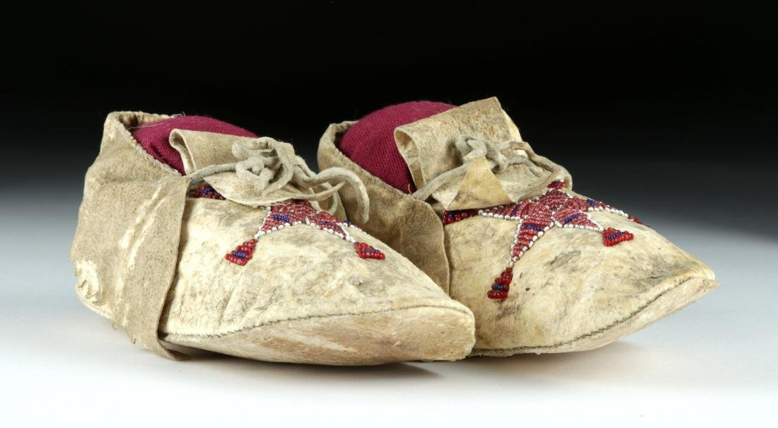 20th C. Plains Indian Beaded Hide Child Moccasins (pr) - 3