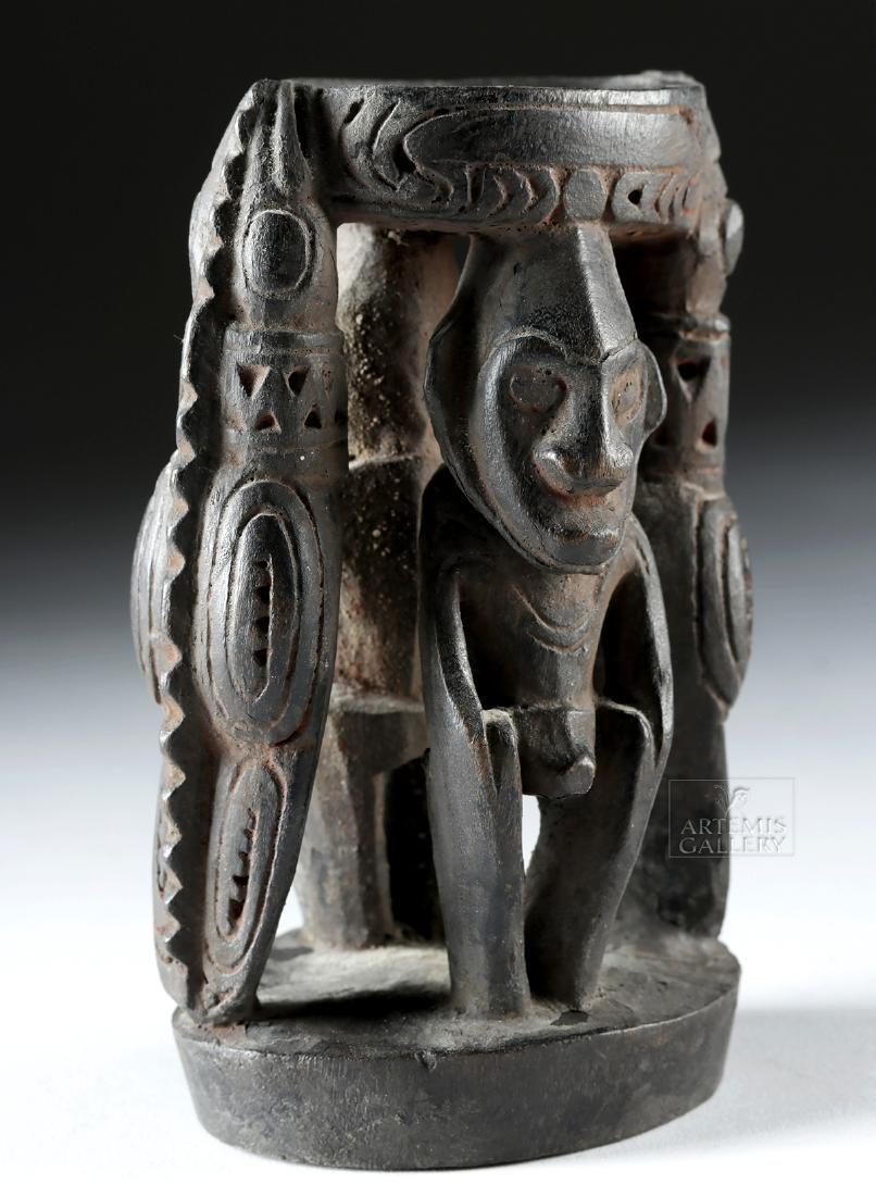 Mid-20th C. Papua New Guinea Wood Betel Nut Mortar - 4