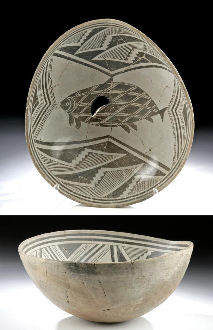 Huge / Exceptional Prehistoric Mimbres Bowl w/ Fish