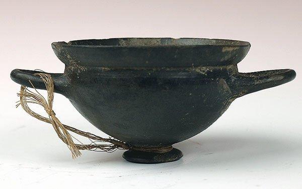 35: Fine Etruscan Bucchero Skyphos