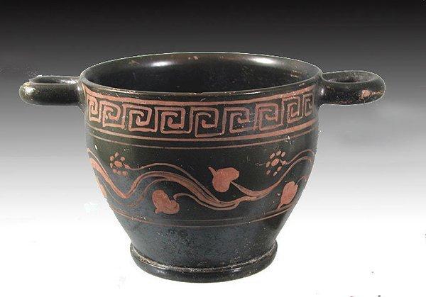 89: A Greek Apulian Skyphos, Saint Valentin Style