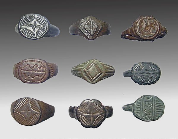 142: Lot of 9 Byzantine Bronze AE Rings