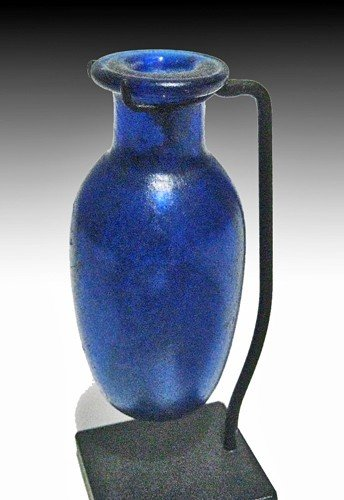 179: A Roman Glass Unguentarium