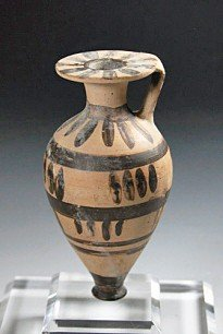 47: A Greek Corinthian Aryballos, ex-Charles Ede