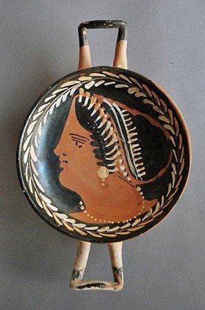 58: A Greek / Apulian Red Figure Kylix