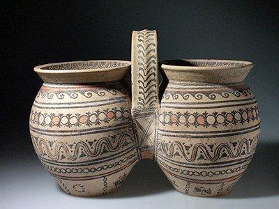 75: A Greek Daunian Double Situla