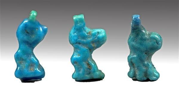 7: A Set of 3 Egyptian Faience Armarna Beads