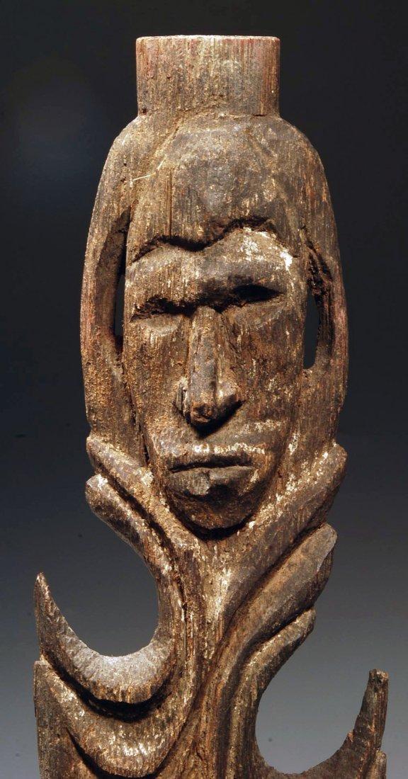 194: An Oceanic Middle Sepik Figurative Wood Spear Tip - 2