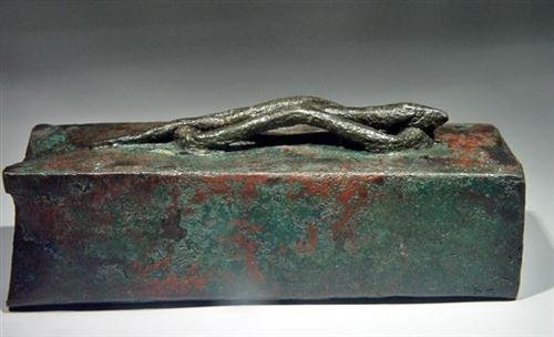 20: Egyptian Bronze Sarcophagus for Snake ex-Christie's - 4