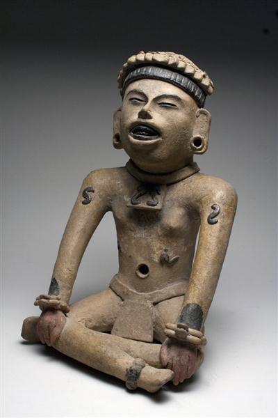 44: A Veracruz Seated Figure, ex-Denver Art Museum - 3