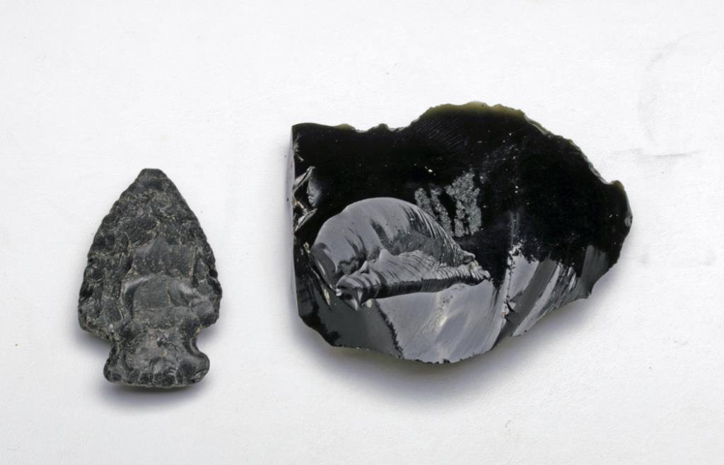Black Obsidian Arrowhead and Scraper - 3