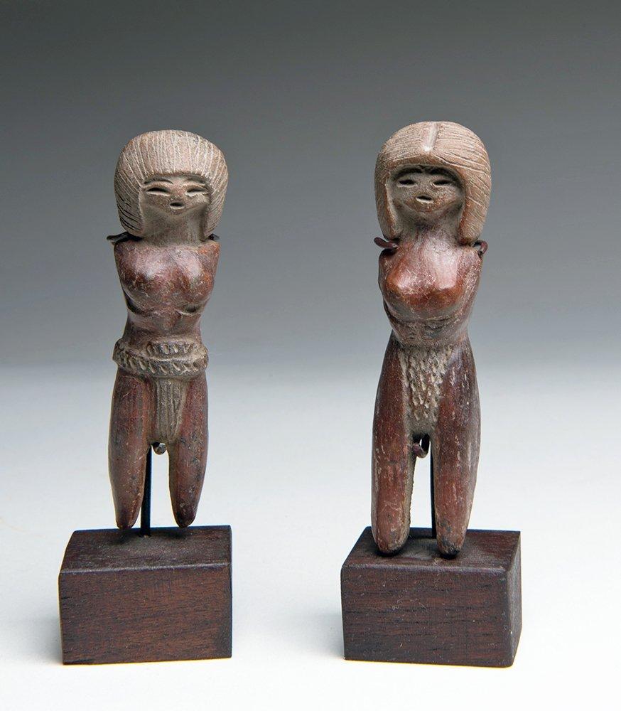 Two Superb Valdivian Venus Figures