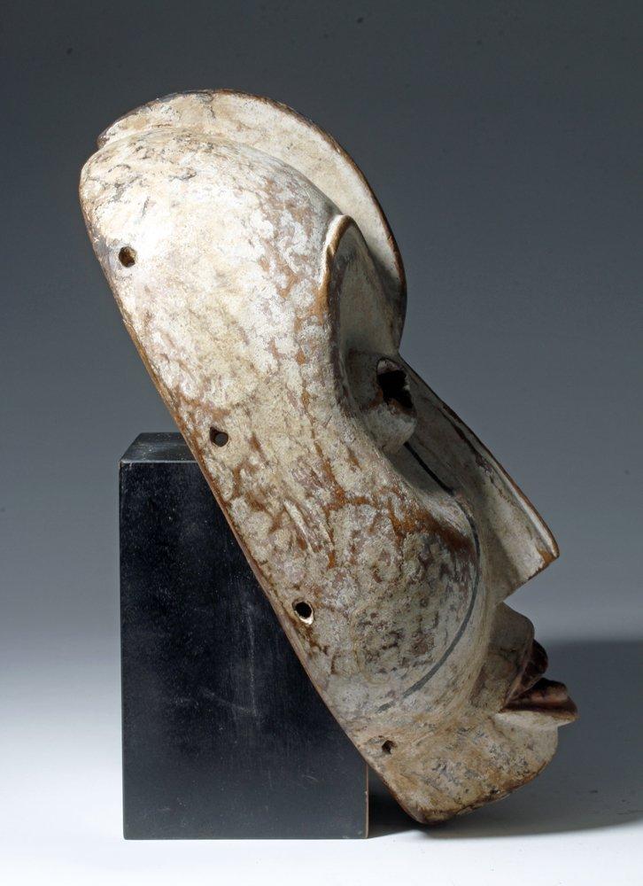 Important African Woyo Painted Wood Mask - Ndunga - 3