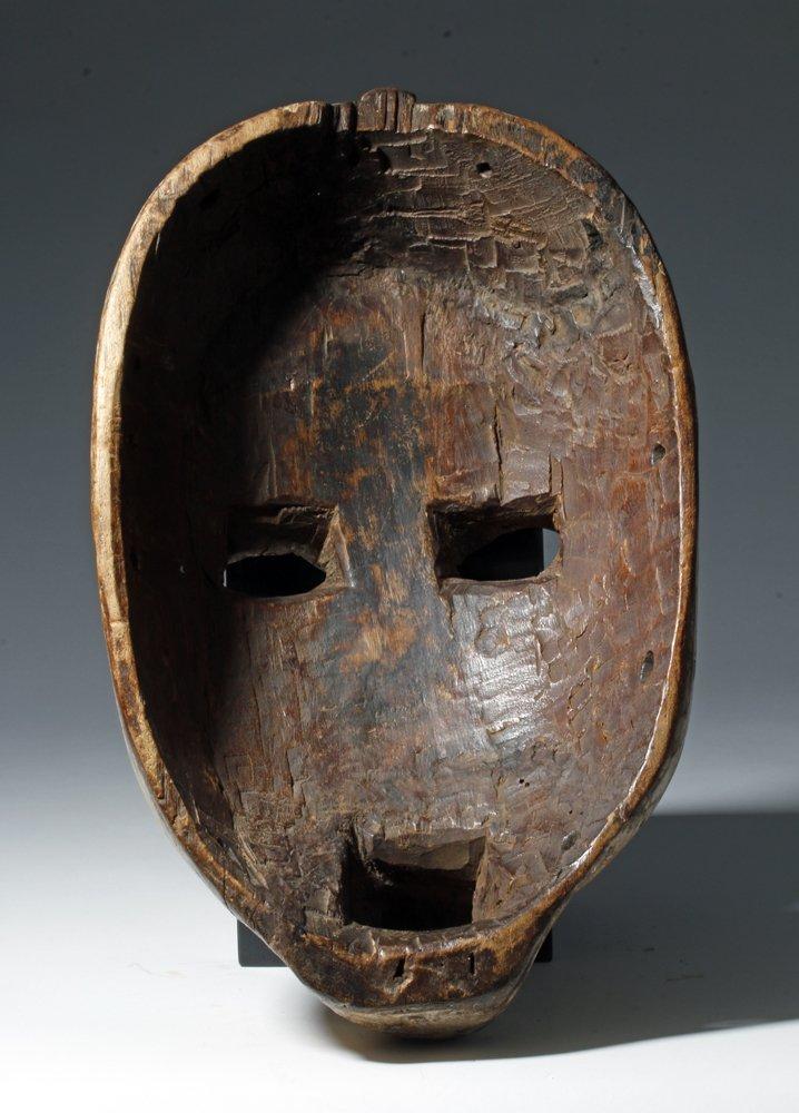 Important African Woyo Painted Wood Mask - Ndunga - 4