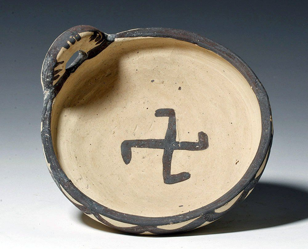 Daunian Pottery Kyathos - Swastika