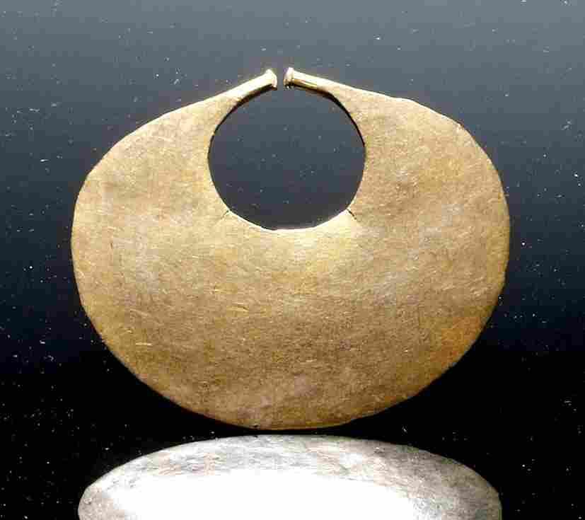 Impressive Colombia Sinu 14k+ Gold Nose Ring