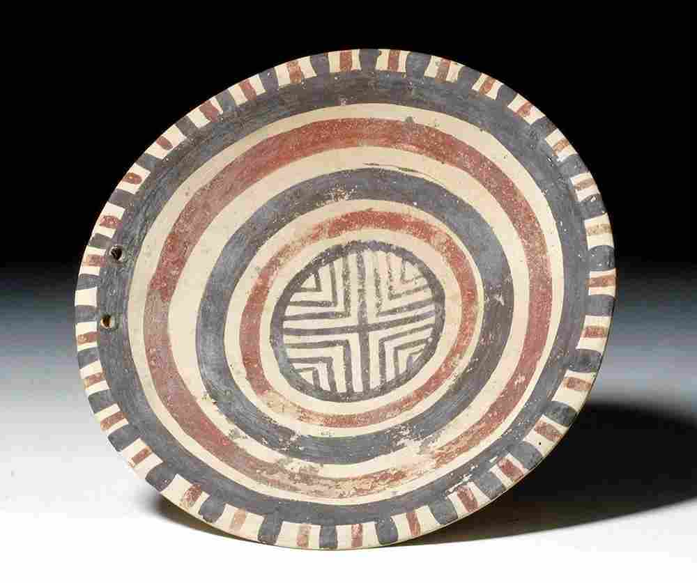 Lovely Daunian Polychrome Footed Plate