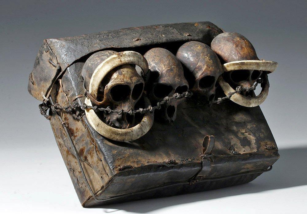 19th C. Naga Leather Headhunter's Bag w/ Monkey Skulls - 5