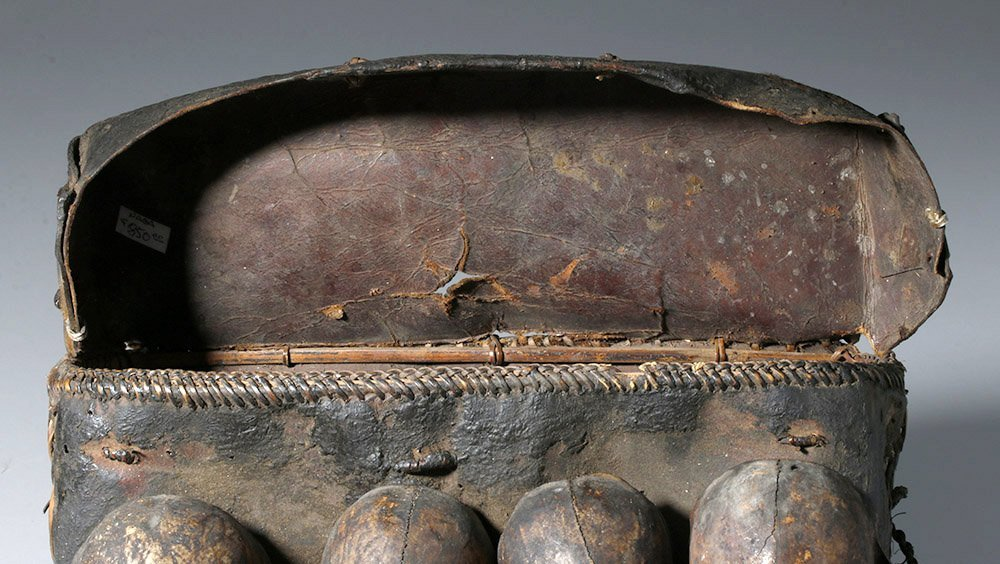 19th C. Naga Leather Headhunter's Bag w/ Monkey Skulls - 6