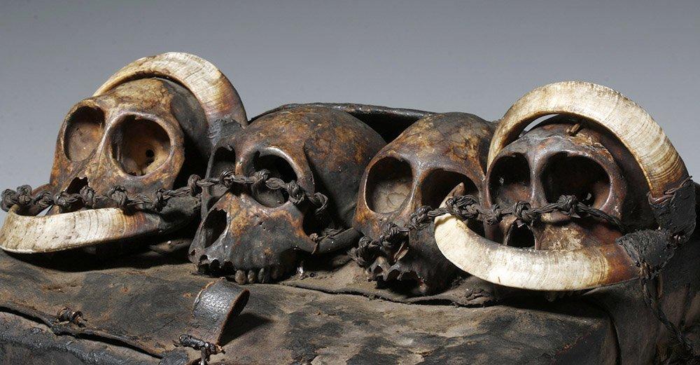 19th C. Naga Leather Headhunter's Bag w/ Monkey Skulls - 9