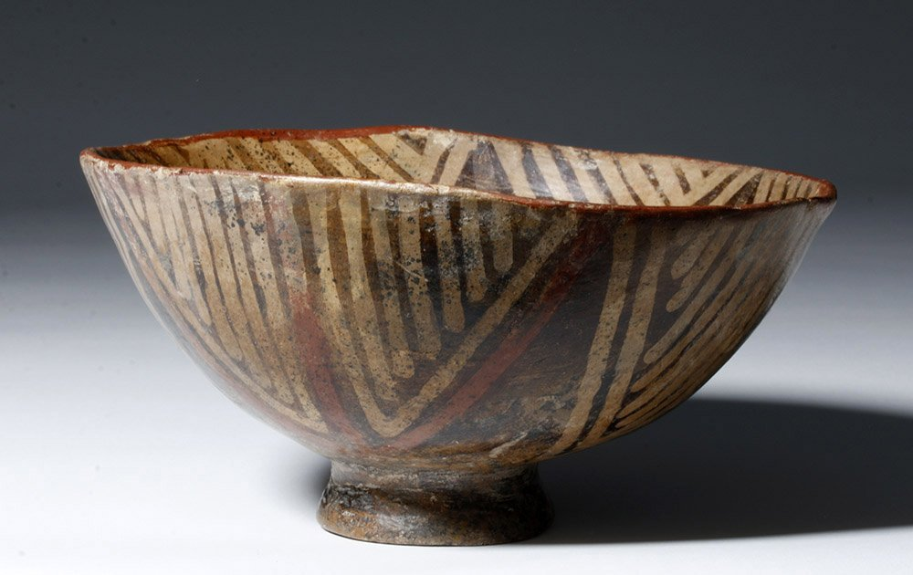 Fine Narino Pottery Footed Bowl - 4