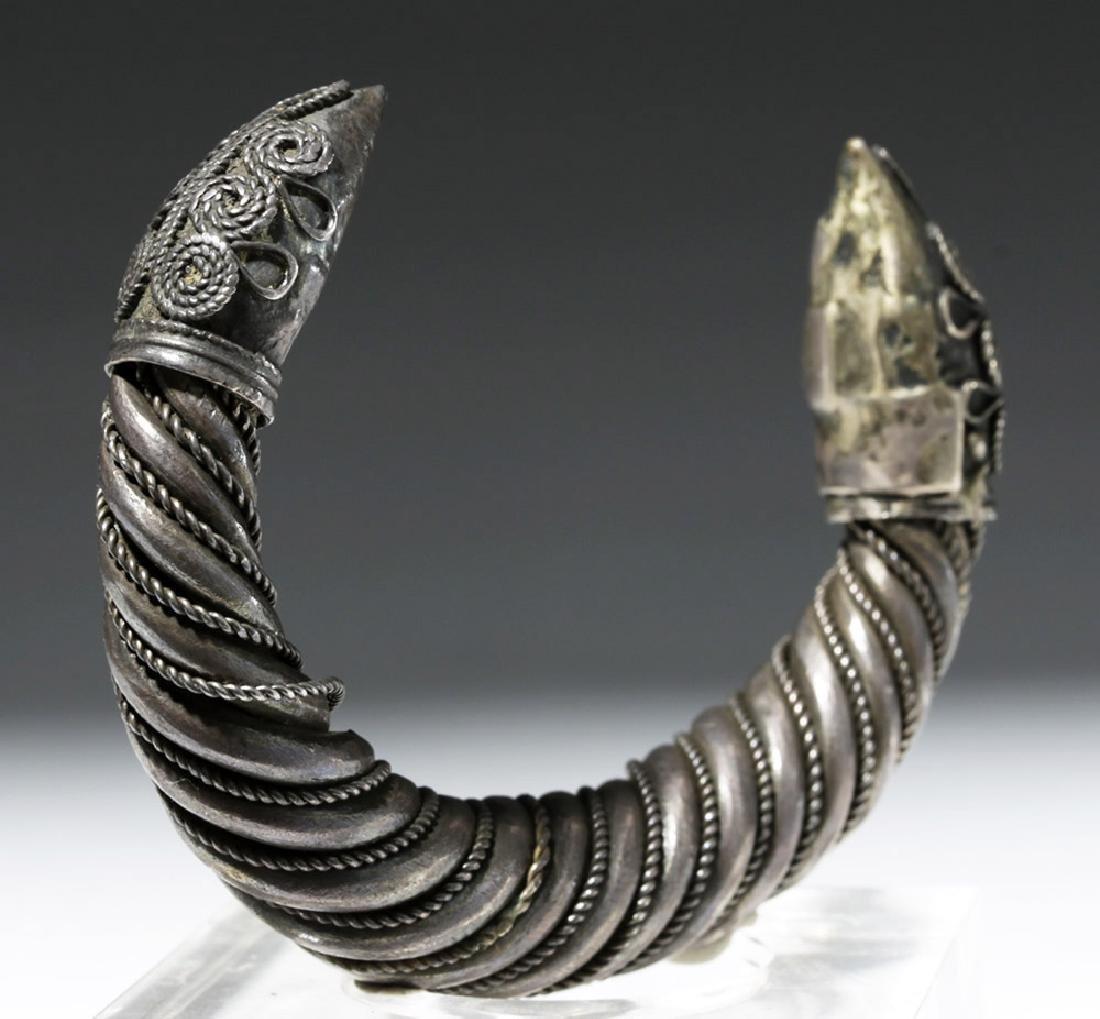 Ancient Sassanian Silver Cuff Bracelet - 2
