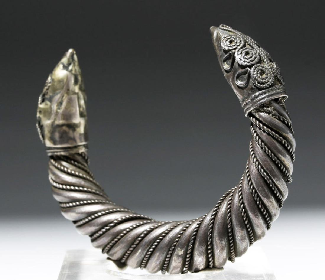 Ancient Sassanian Silver Cuff Bracelet - 4