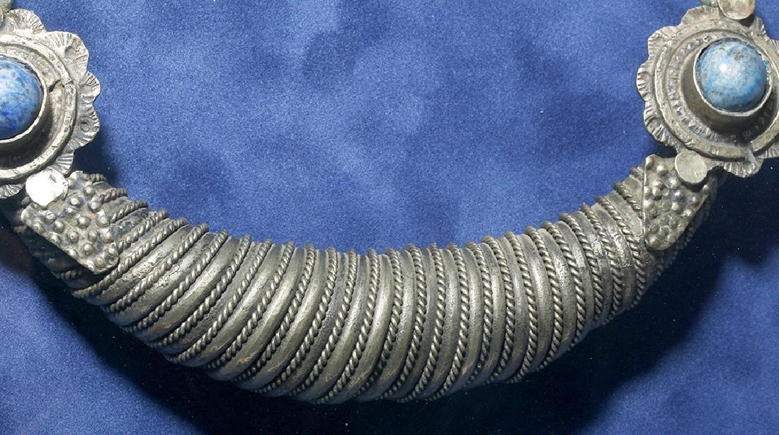 19th C. Pakistani Silver Torc w/ Lapis Lazuli - 4