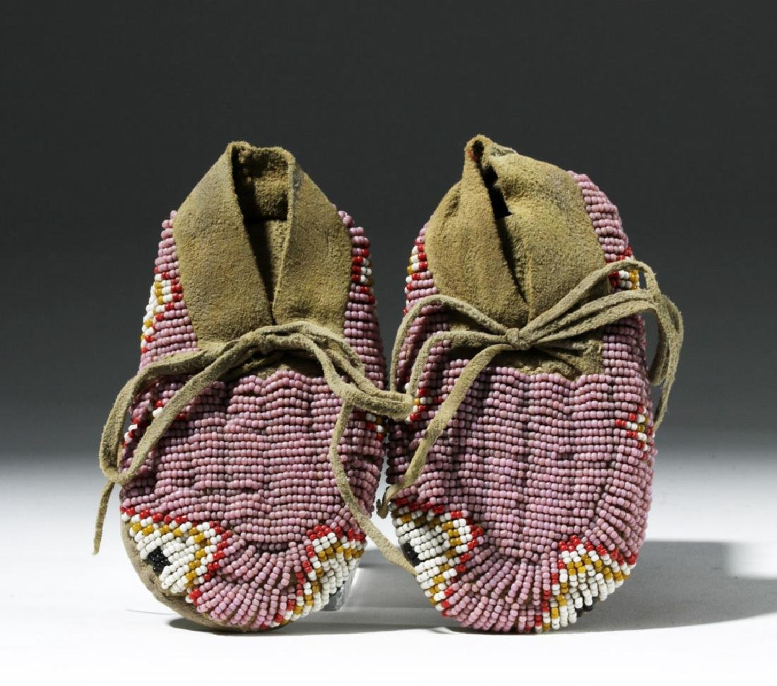 Early 20th C. Plains Indian Beaded Child's Moccasins