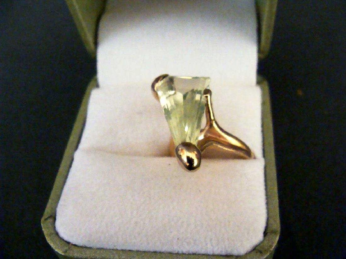 14kt Yellow Gold & Green Stone Ring