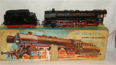 Marklin Ho Steam Engine Train  3048