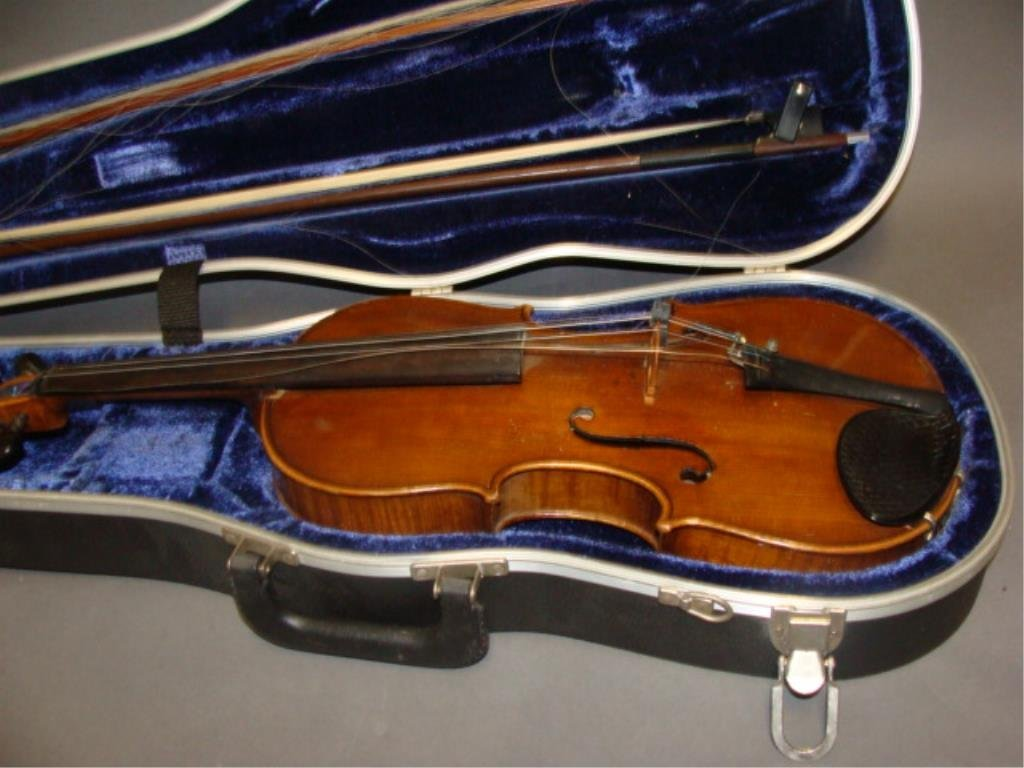 Violin with 2 Bows and Case - 3