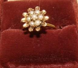 14KT Yellow Gold and Pearl Ring