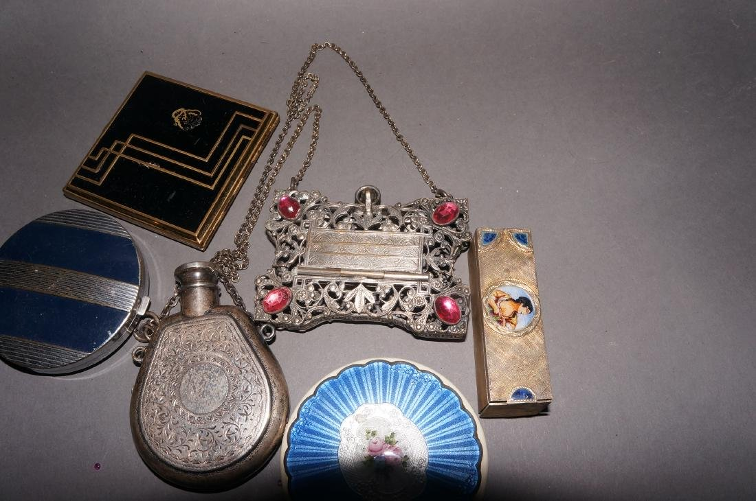 Vintage Compacts and Coin Purse - 2