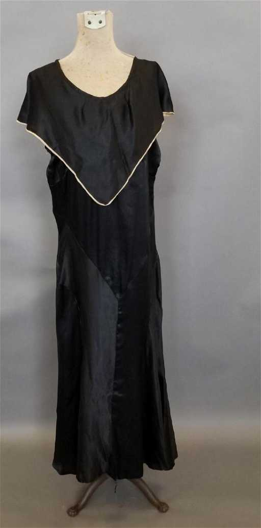 d9b493fc23 Black Silk Semi-Formal Dress