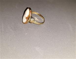 Vintage 10kt Gold and Cameo Ring