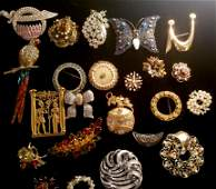 Vintage Brooch Jewelry Grouping