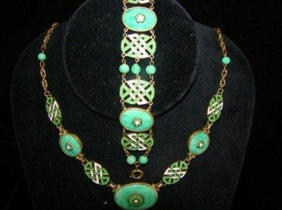 3A: 2 Piece Green