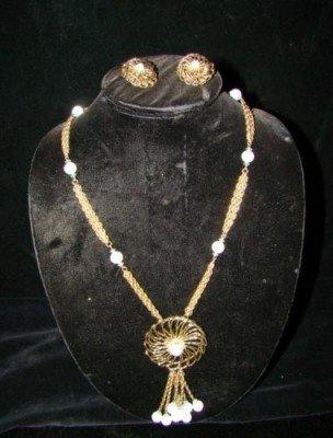 6: Necklace Hobe' Opal