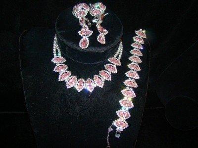 18: Pink Stone Set