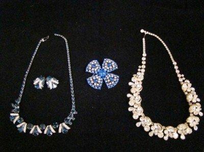 10: Weiss Brooch Earrings