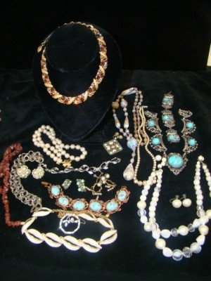 6: Faux Turquoise and 1950's Jewelry Lot