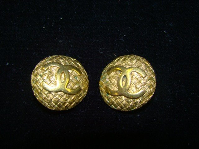 7: Gold Pair of Chanel Earrings
