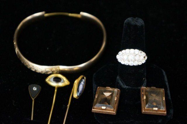 16: Lot of 14K Gold Jewelry - Six Pieces