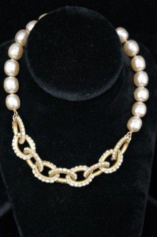 18: Miriam Haskell Pearl and Gold Necklace