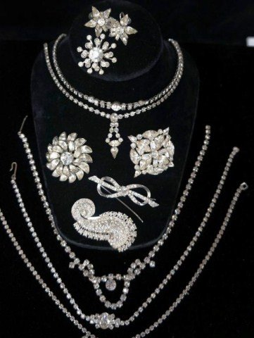 22: Assorted Rhinestone Jewelry Lot