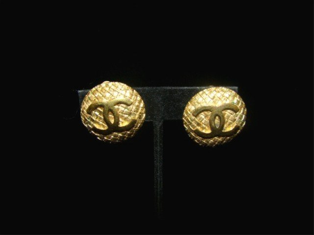 59: Pair of Gold Chanel Earrings