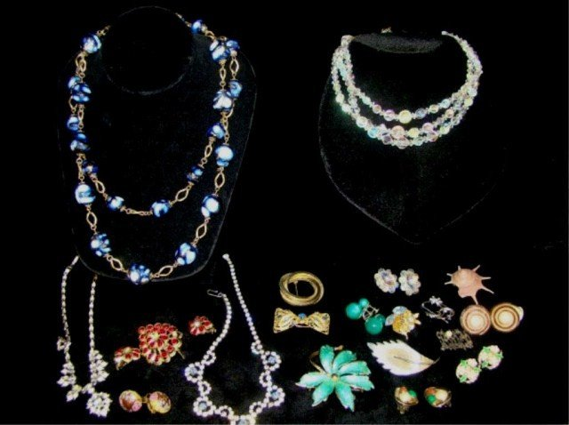 62: Mixed Assorted 1950's Lot of Rhinestone Jewelry