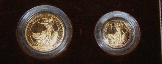 4: 1987 2 Piece Britannia Coin Set