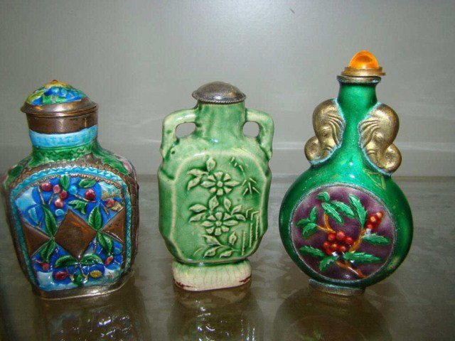 15: Lot of 3 Oriental  Snuff / Scent Bottles